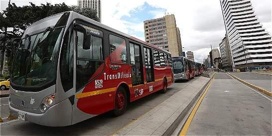 TransMilenio, arranque difícil 15 años después