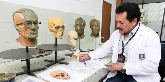 Con arte y tecnología de punta dan rostro a miles de víctimas