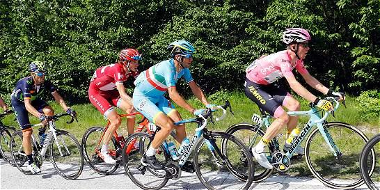 Ahora, Chaves corre para defender su segundo puesto en el Giro