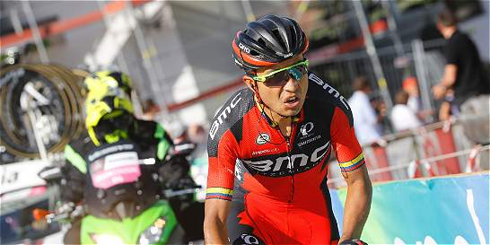 Los dramas de Atapuma no lo dejan perder la rueda en el Giro de Italia
