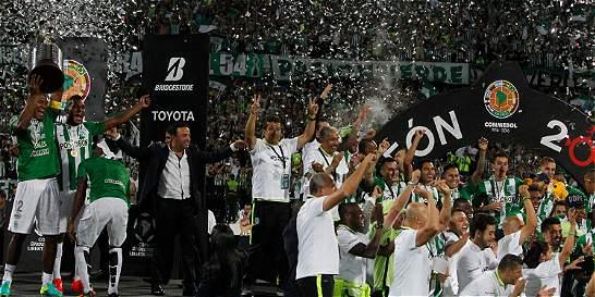 ¡Campeón de la Copa Libertadores, su majestad Nacional!