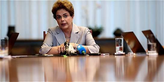 46 años después, Dilma vuelve a sentarse en el banquillo de acusados