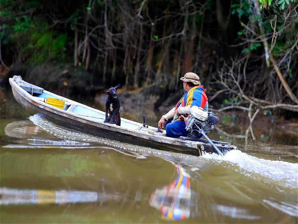 Los múruis comparten el río y las selvas del Putumayo con otras comunidades indígenas y también con campesinos.