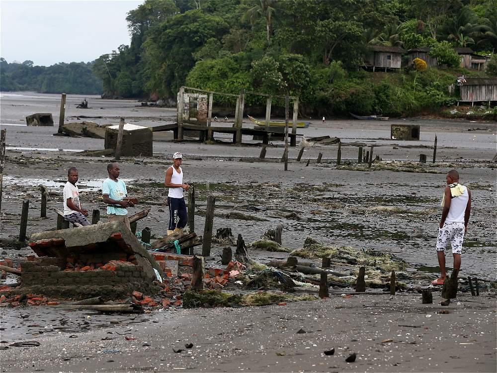 La 'puja', como le llaman los pobladores a la marea alta, comenzó a tragarse la playa desde el 2009.