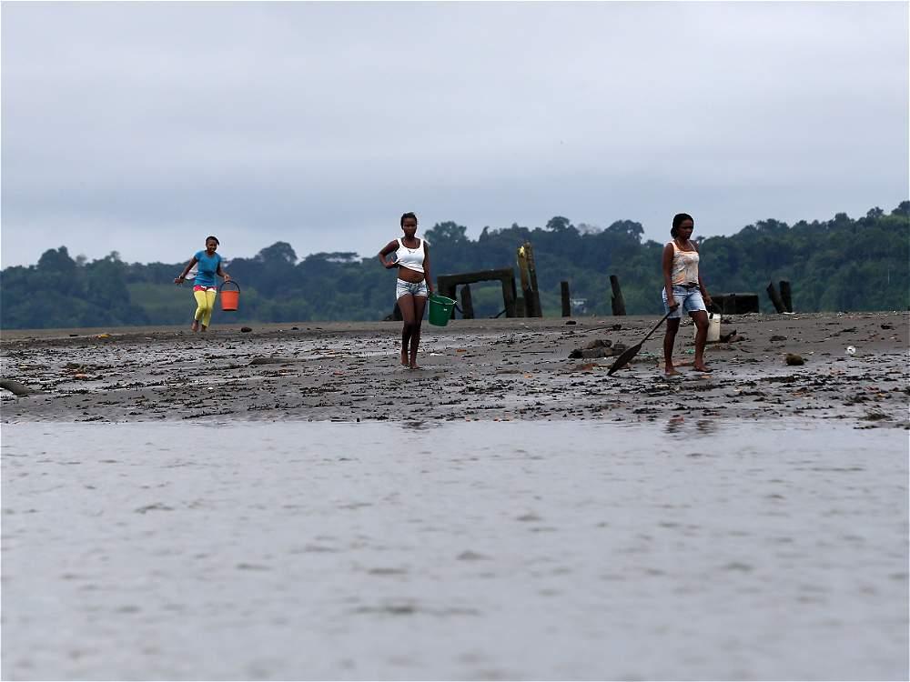 El mar alcanza a cubrir desde las 9:00 a.m. hasta la 1:00 p.m. más de 200 metros de playa.