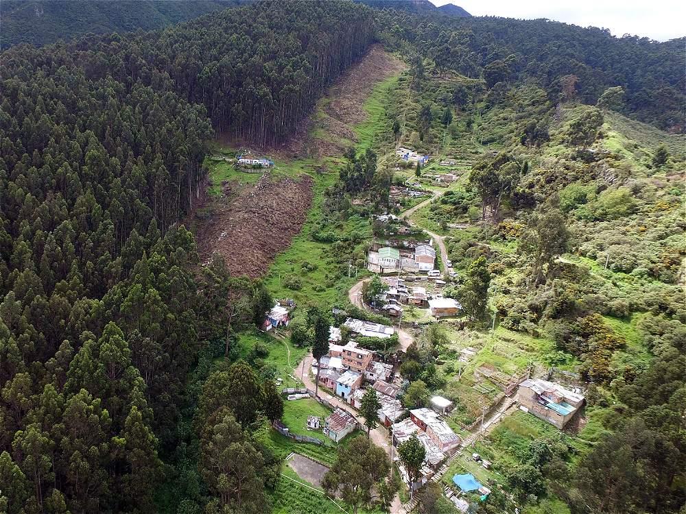 Las comunidades que habitan los cerros lidian con la deforestación y los incendios.