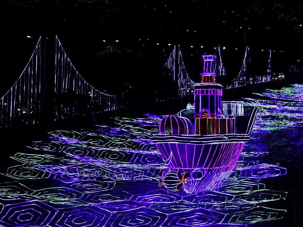 Inició el festival de las luces con alumbrado del río Medellín