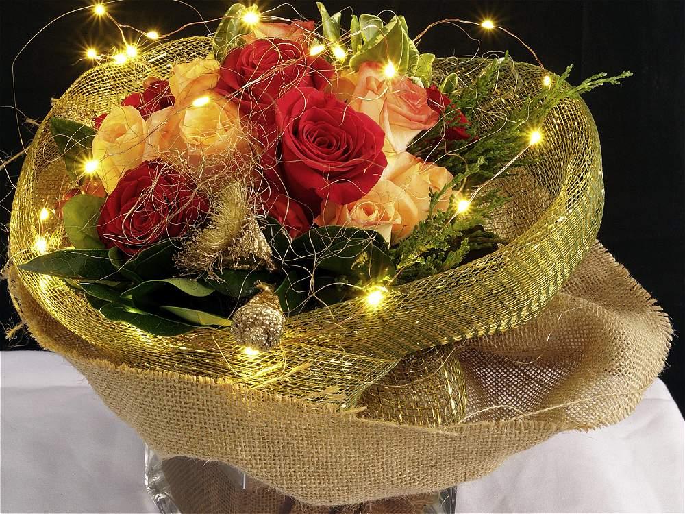 Fotos su hogar cobra vida con arreglos florales dise ados - Imagenes flores de navidad ...