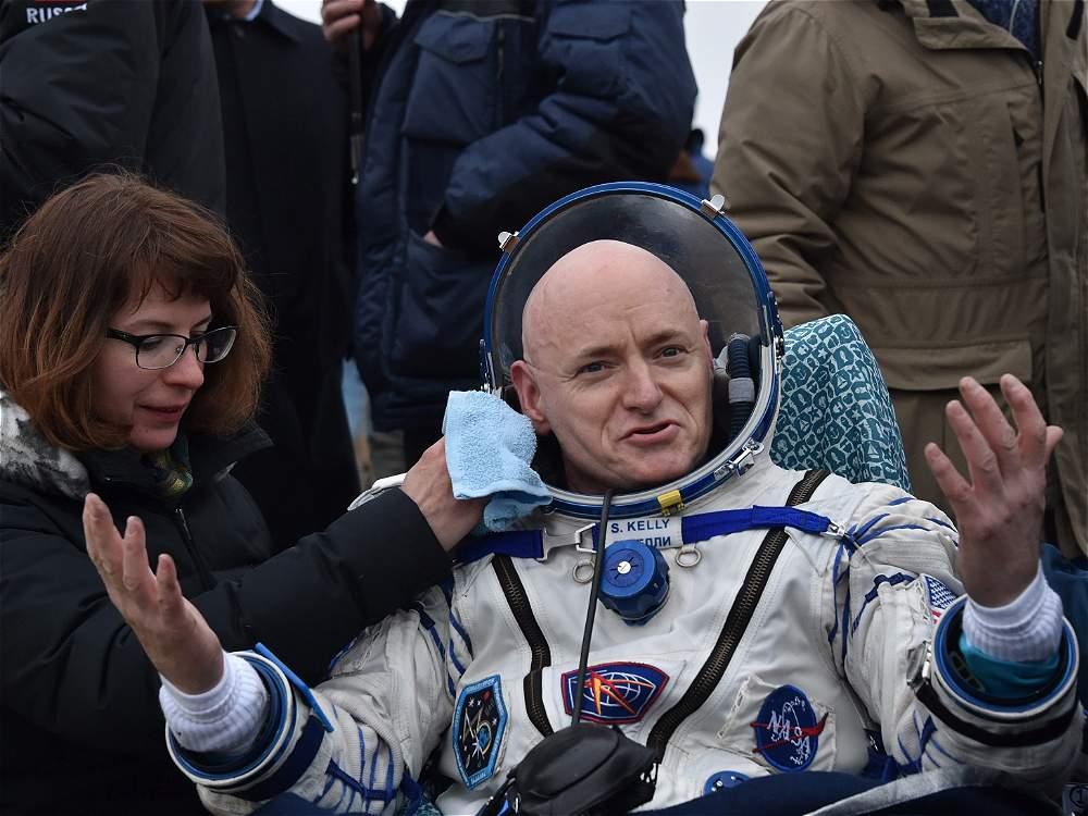 Kelly y Kornienko regresan a la Tierra