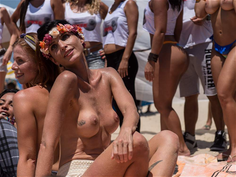 young boys sucking girls boobs