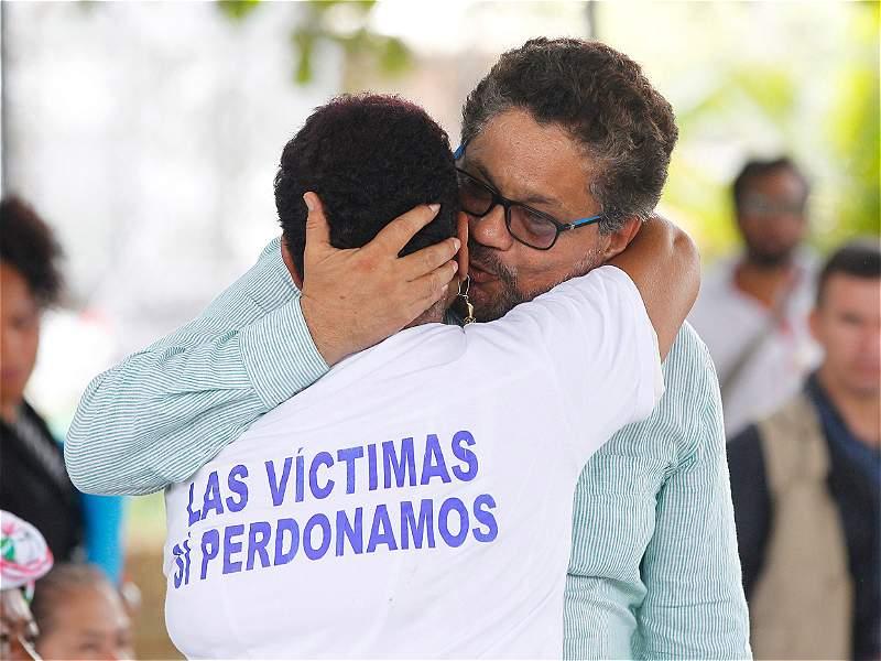 El acto de perdón de las Farc con las víctimas de la masacre La Chinita