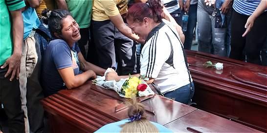 Defensor del Pueblo de Venezuela insinuó que hay más fosas comunes