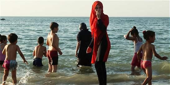 A playas de Francia vuelve el burkini, ¿se irá la discriminación?