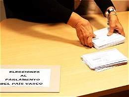 Mariano Rajoy salió reforzado en elecciones regionales en España