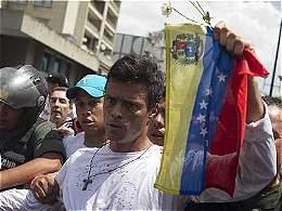 'Venezuela se cae a pedazos ante nuestros ojos': Leopoldo López