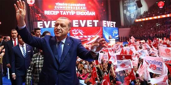 Editorial: El desafío autoritario de Erdogan