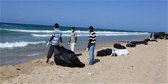 Hallan los cuerpos sin vida de 170 inmigrantes africanos en Libia
