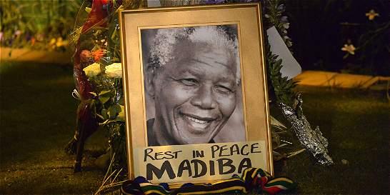 Sudáfrica conmemora el primer aniversario de la muerte de Mandela