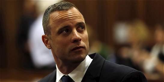 Oscar Pistorius sale de la cárcel y estará bajo arresto domiciliario