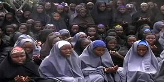 Boko Haram difunde video de las niñas secuestradas en Nigeria