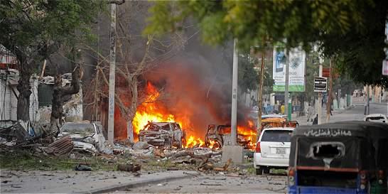 Al menos 10 muertos por carro bomba contra hotel en capital de Somalia