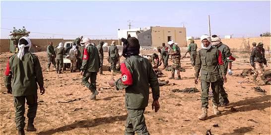 Un ataque suicida contra cuartel deja 67 personas muertas en Mali