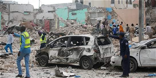 Siete personas murieron tras doble atentado con carro bomba en Somalia