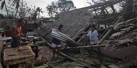 Tifón Hagupit deja al menos 27 muertos en su paso por Filipinas