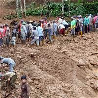 18 muertos y 90 desaparecidos por derrumbe en Indonesia