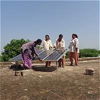 En la India, wayús analfabetas se volvieron ingenieras solares