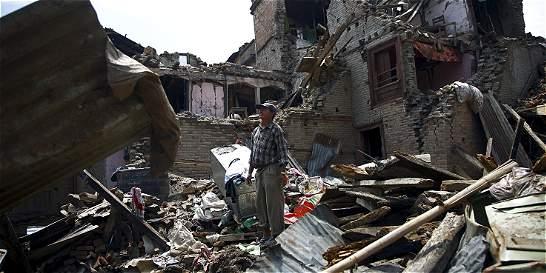 Nepal no termina de contar muertos y vuelve la tragedia