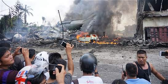 Al menos 116 personas habrían muerto en accidente aéreo en Indonesia
