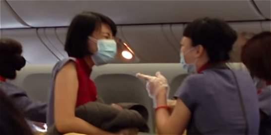 Nacimiento de una bebé en un vuelo causó emoción entre pasajeros