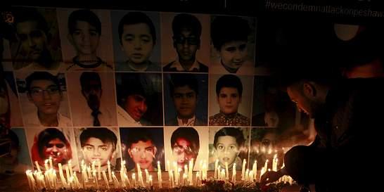 Pakistán ejecuta a cuatro autores del ataque a una escuela en Peshawar