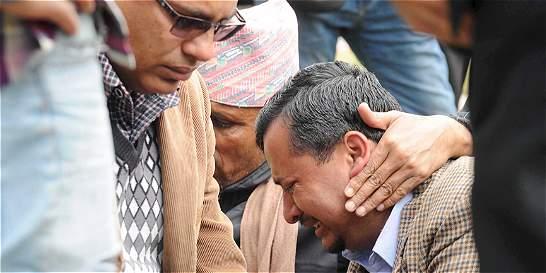 Avión con 23 personas a bordo se estrella en Nepal, informó la policía