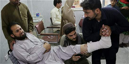 Al menos 6 muertos y 46 heridos en Pakistán por sismo de 6.6