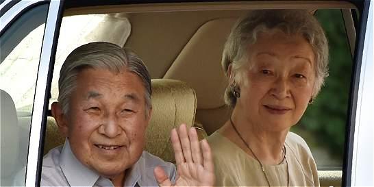 La casa real nipona desmiente los planes de abdicación de Akihito