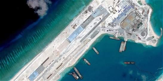 Pekín inaugura dos aeropuertos en arrecifes de mar de China Meridional