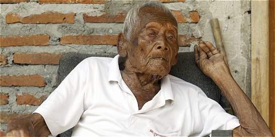 Un hombre sostiene que nació hace 145 años en Indonesia