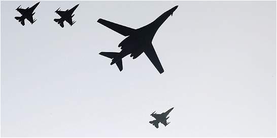 EE. UU. hace demostración de fuerza en Corea del Sur con bombarderos