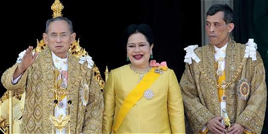 Muere a los 88 años el rey Bhumibol de Tailandia