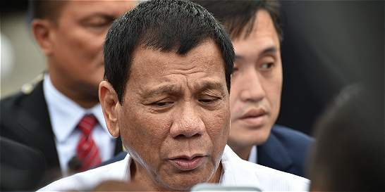 Presidente de Filipinas da un ultimátum a narcotraficantes