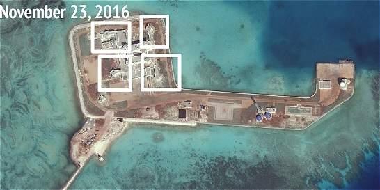 China siembra defensas en los islotes que construyó