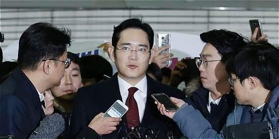 Fiscalía retrasa decisión sobre la detención del heredero de Samsung