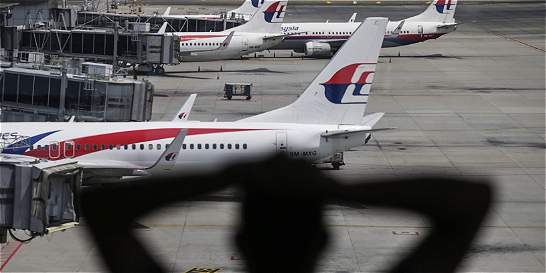 Suspenden búsqueda del avión malasio desaparecido en el 2014