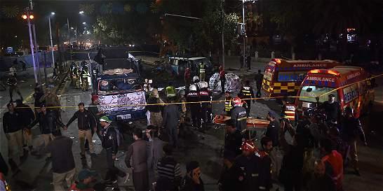 Al menos 10 muertos y decenas de heridos por atentado en Pakistán