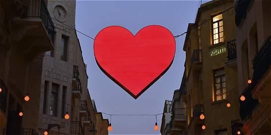 Un tribunal paquistaní prohibió celebrar San Valentín en público