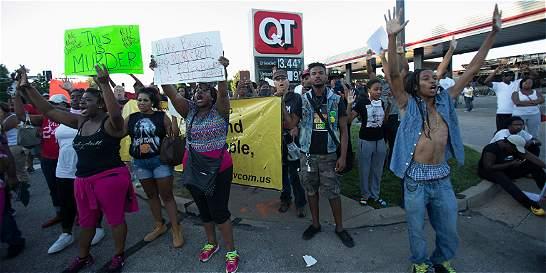 Anonymous divulga nombre de policía que mató a afroamericano en Misuri