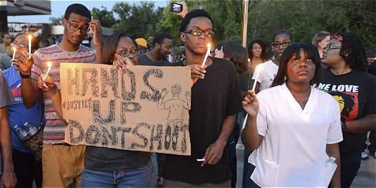 Toque de queda en ciudad de EE. UU. tras asesinato de afroamericano