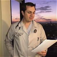 Florida facilitaría a médicos foráneos homologar títulos